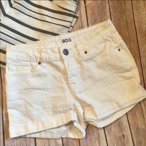 BDG Alexa Shorts White 5 Pocket Shortie 24